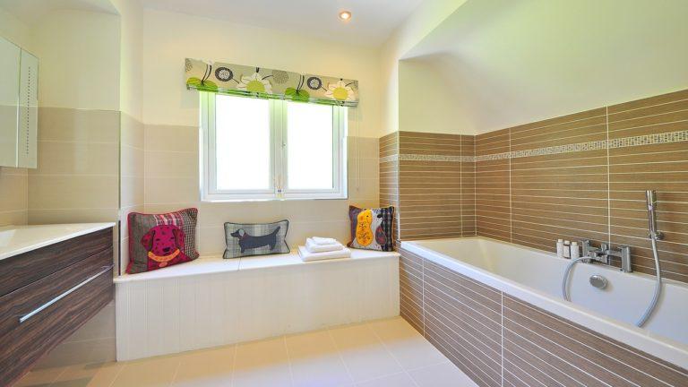 Jak dobierać armaturę łazienkową?