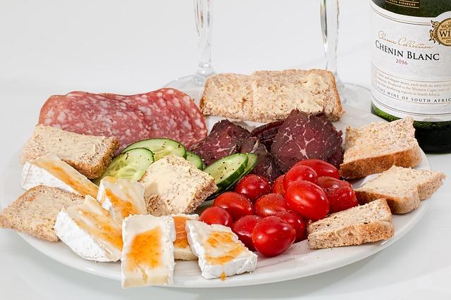 Firmy cateringowe oferujące posiłki dla pracowników