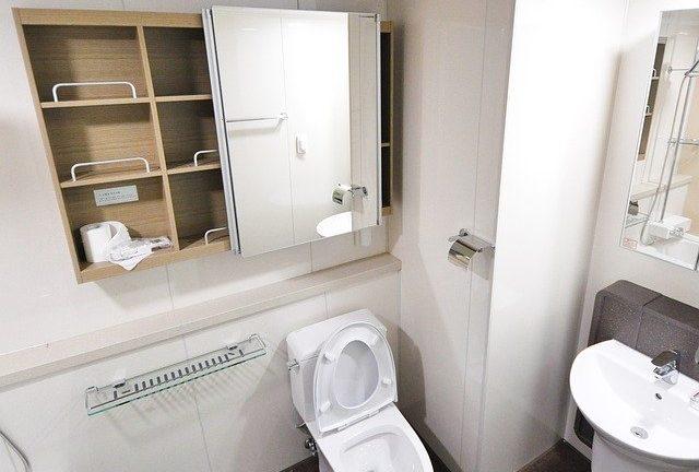 Jak udrożnić toaletę sodą oczyszczoną oraz octem?
