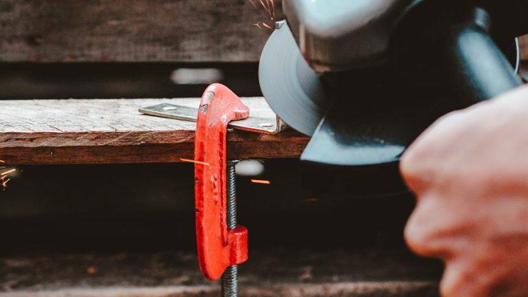 Nie wiesz jakie narzędzia do obróbki metalu wybrać?