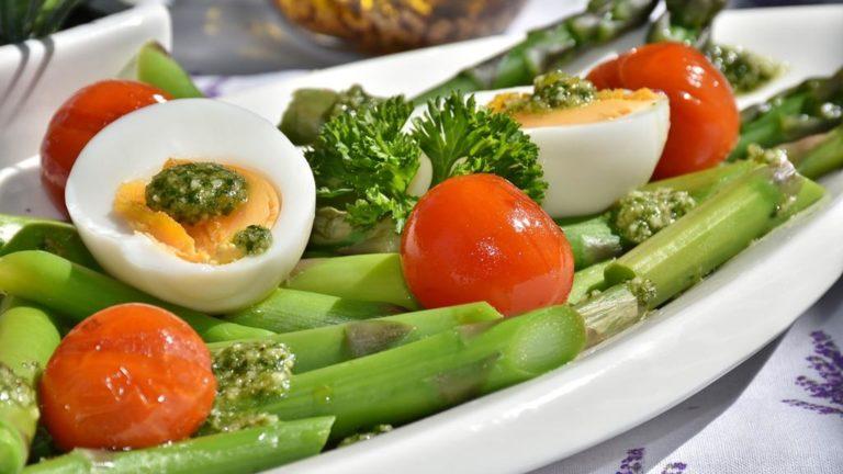 Czy można się odżywiać tylko dietetycznie?